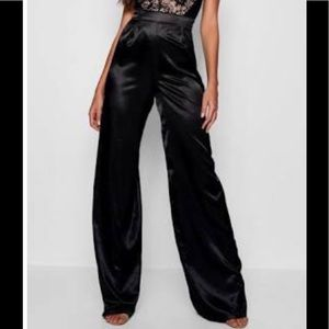 Boohoo new!! Silk pants🖤